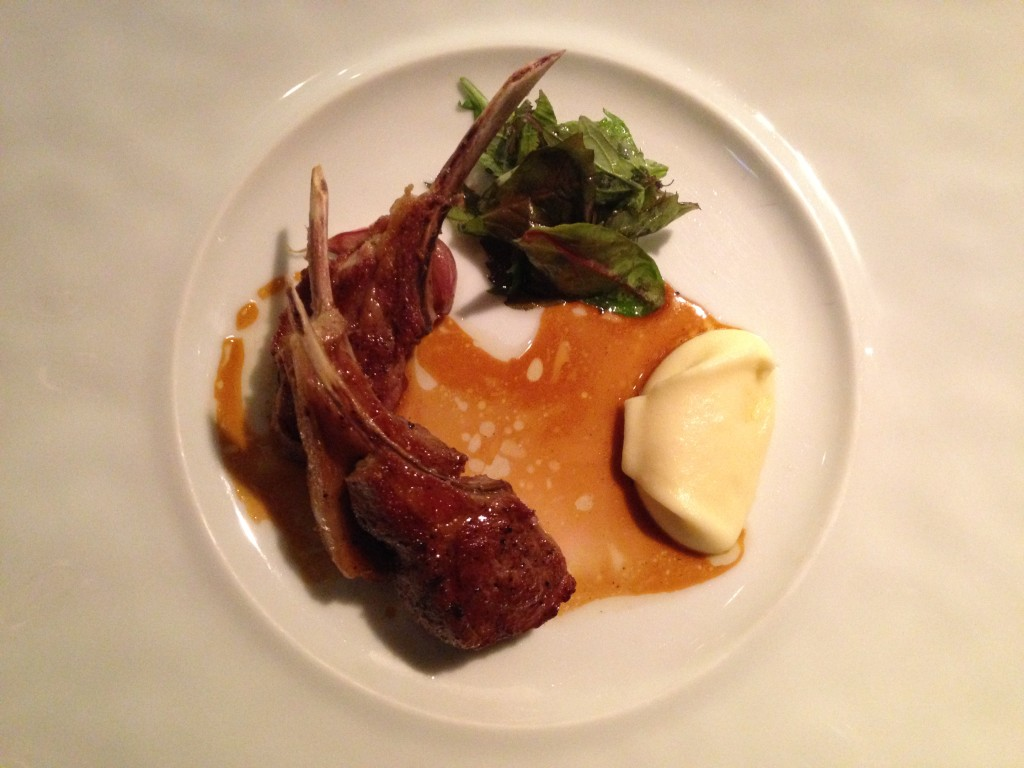 Milk fed lamb cutlets from Pyrenees with fresh thyme
